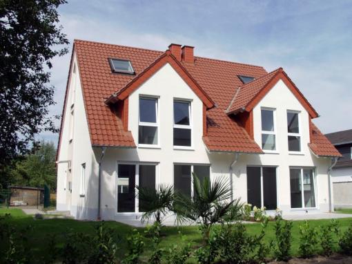Lieferung und Montage von Fenstern und Türen