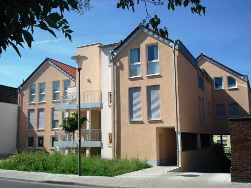 Lieferung und Montage von Fenstern und Haustüren